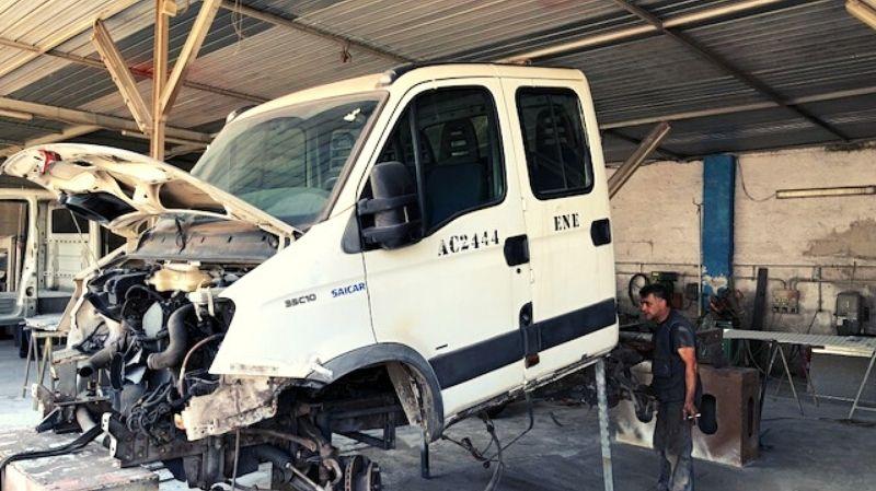 divisione-officina-meccanica-furgone